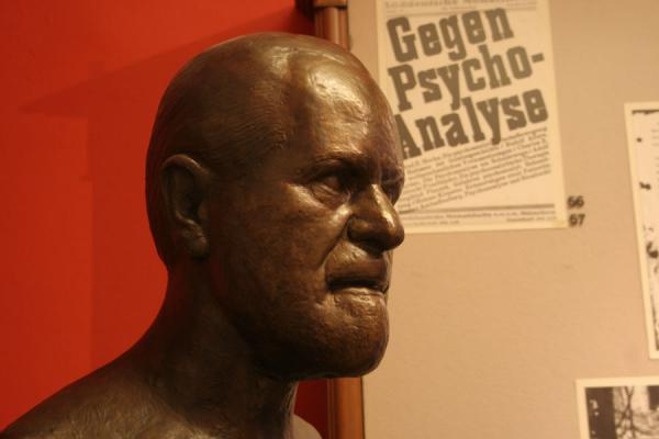 Picture of Sculpture of Sigmund Freud in his museum