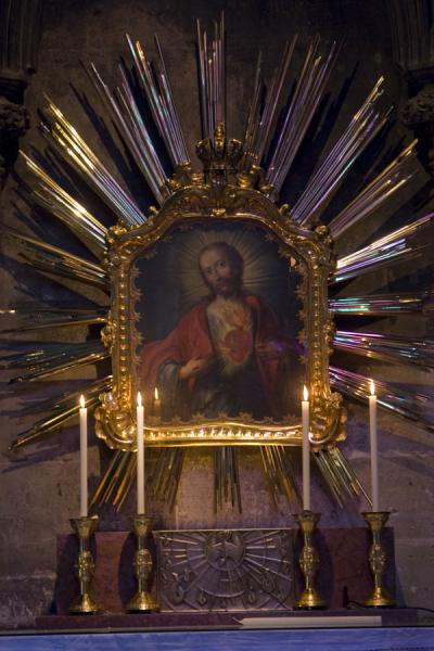 Foto van Painting of Jesus with his heart on fire in the StephansdomWenen - Oostenrijk
