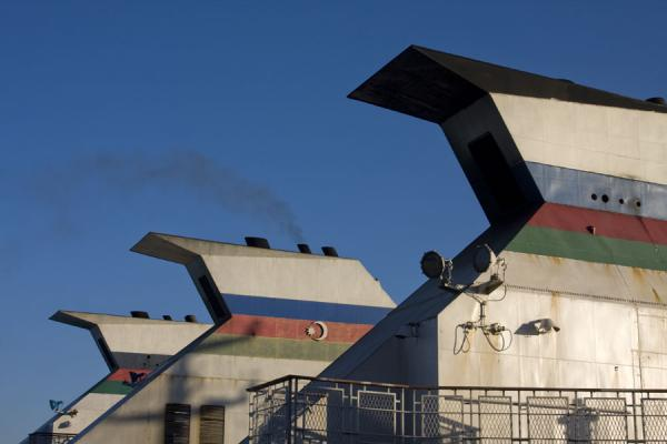 Chimneys of ferries docked in Turkmenbashy harbour - 亚塞拜然