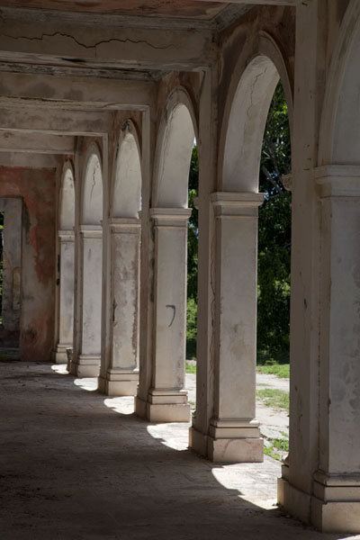 Row of arches of the Haunted House | Dunmore Town | Bahamas