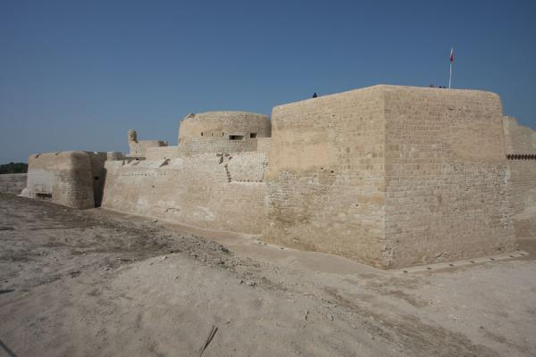 Picture of Bahrain Fort (Bahrain): View of Bahrain Fort from the outside