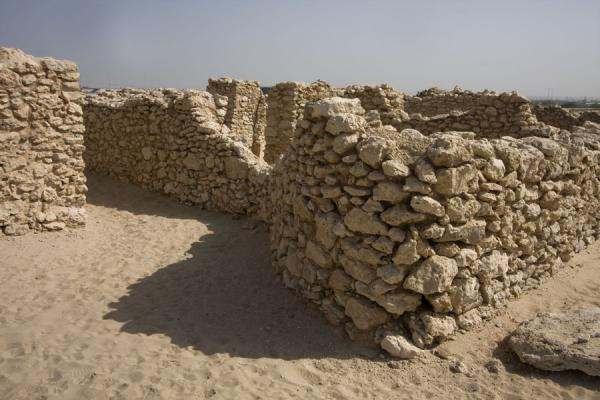 Picture of Saar (Bahrain): Corner of the Dilmun temple of Saar