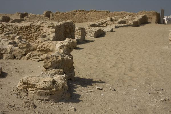 Picture of Saar (Bahrain): Sandy street in the ancient ruins of Saar