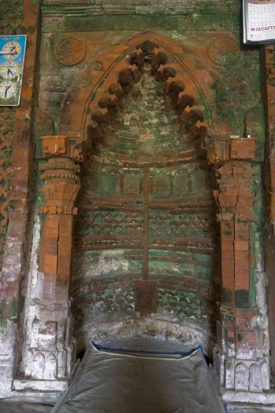 Picture of Bagerhat mosques (Bangladesh): Mossy mihrab of Singar mosque