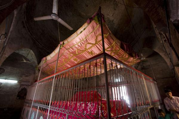Picture of Bagerhat mosques (Bangladesh): Inside view of the mausoleum of Khan Jahan Ali
