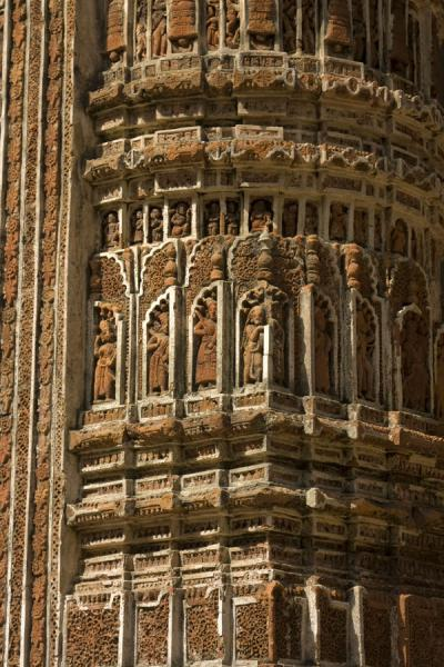 Picture of Kantanagar temple (Bangladesh): Close-up of one of the terracotta pillars of Kantanagar temple