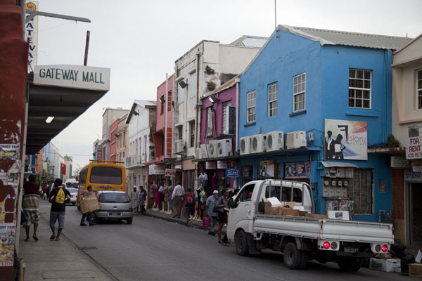 Photo de One of the busy streets of BridgetownBridgetown - Barbade