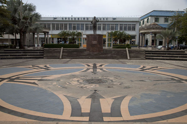 Picture of Independence Square with the symbol of Barbados and statue of Errol Barrow, the national hero of BarbadosBridgetown - Barbados