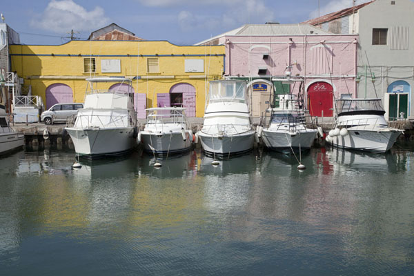 Foto van Modern boats docked in the old harbour of BridgetownBridgetown - Barbados