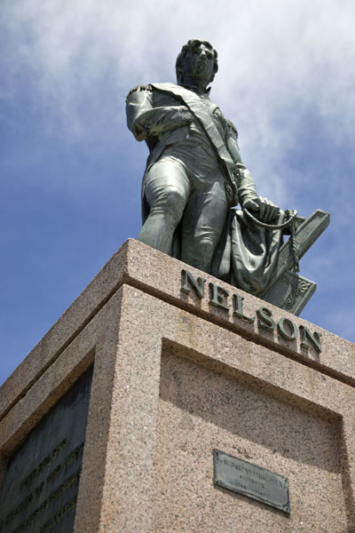 Looking up a statue of Lord Nelson, erected 30 years before the one on Trafalgar Square in London | Bridgetown | Barbade
