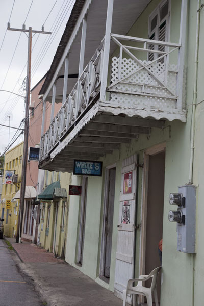 Houses with balconies are frequently seen in Speightstown | Speightstown | 巴贝多