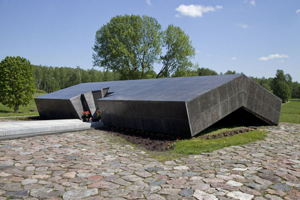 This black memorial symbolizes the barn where the villagers were burnt alive | Khatyn | Belarus