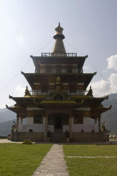 Picture of Khamsum Yuelley Namgyal Chorten (Bhutan): Looking at Khamsum Yuelley Namgyal Chorten