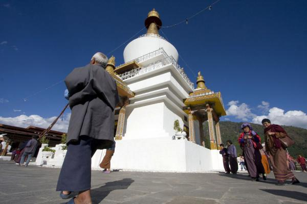 Foto van People permanently walk around the National Memorial ChortenThimphu - Bhutan