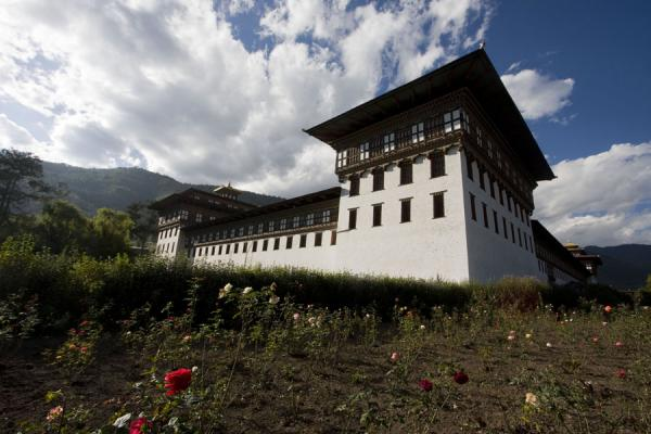 Picture of Tashiccho Dzong seen from the southeastern corner