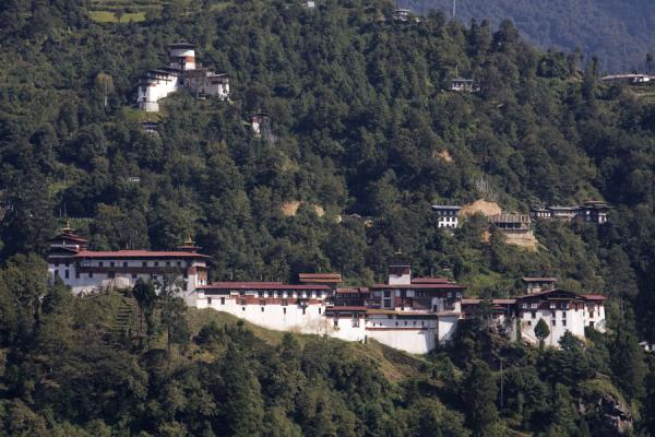 Trongsa Dzong seen from a distance - 不丹