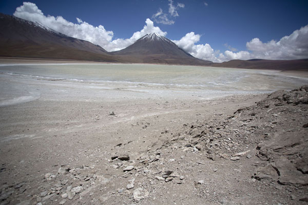 Foto van The Laguna Verde, tucked away on the far southwest corner of BoliviaEduardo Avaroa Reserve - Bolivia