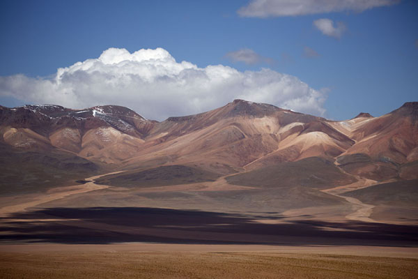Andean mountain range marking the border with Chile | Southwest Bolivia landscapes | Bolivia