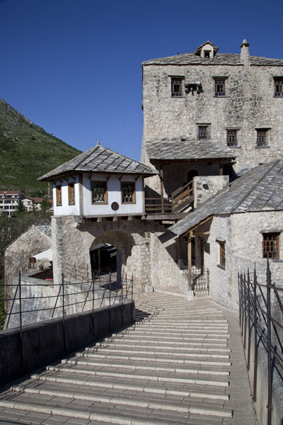 View of the Old Bridge with the Tara Gunpowder Tower | Mostar Old Bridge | 波斯尼亚和合资沟尼亚