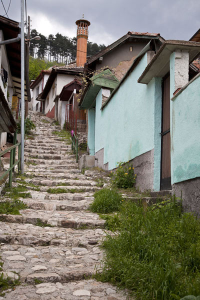Photo de Stairs leading up one of the many steep streets of VratnikSarajevo - la Bosnie-Herzégovine