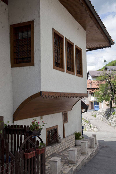 Ottoman influences can be seen in some of the houses in the Vratnik quarter | Vratnik wijk | Bosnië en Herzegovina