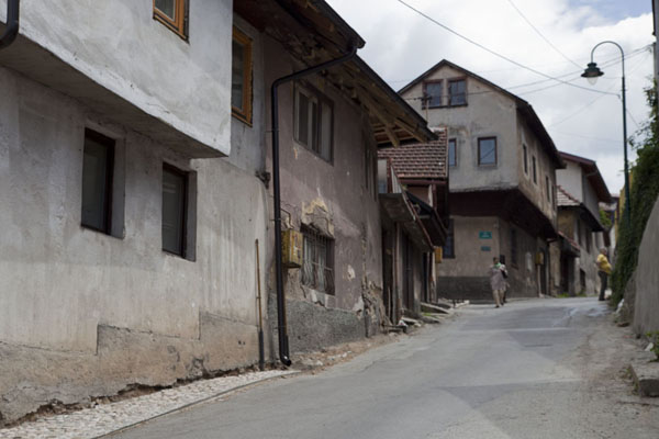 One of the steep streets of Vratnik | Quartier Vratnik | la Bosnie-Herzégovine