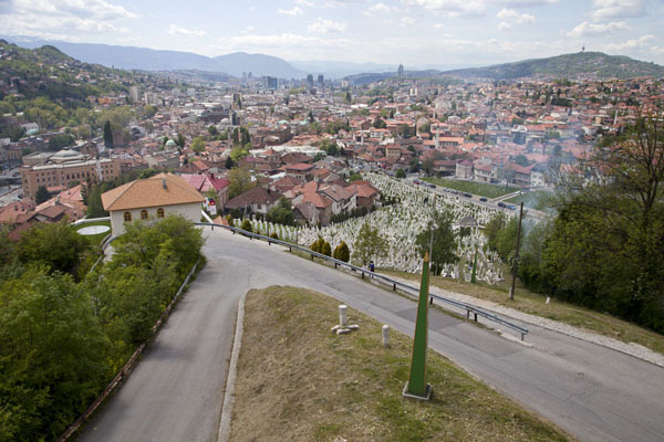 Views over Sarajevo from the Yellow Bastion are sweeping | Vratnik wijk | Bosnië en Herzegovina