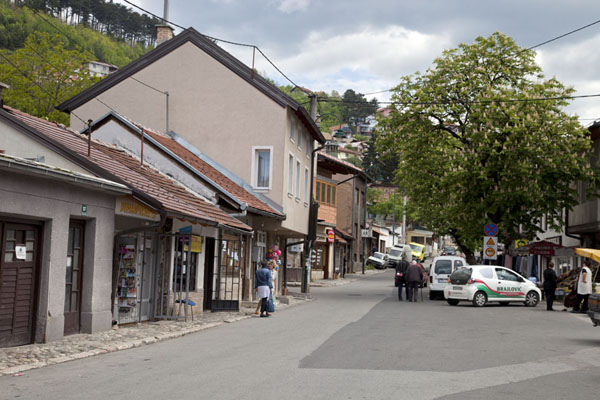 The main square of Vratnik neighbourhood | Quartier Vratnik | la Bosnie-Herzégovine