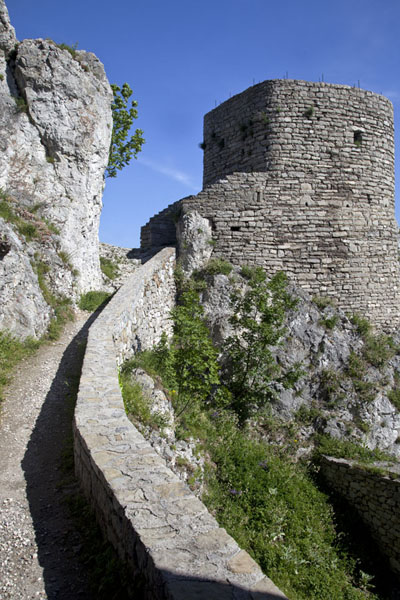Inside view of Srebrenik castle |  | 波斯尼亚和合资沟尼亚