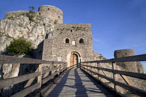 Picture of Entrance to Srebrenik castle is over a wooden bridge
