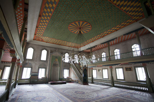 The prayer hall of the multi-coloured mosque | Multi-coloured-mosque | Bosnia and Herzegovina