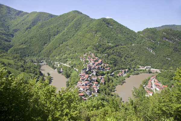 Picture of Bosnia and Herzegovina (Vranduk is built in a bend in the river Bosna)