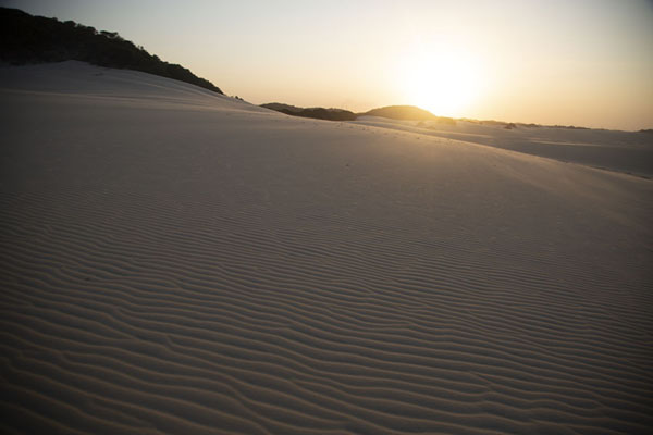 Foto de Sunset over the western dunesCumbuco - Brazil