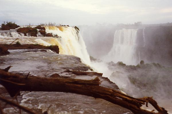 Appreciating the waterforce next to the edge. | Iguazu Falls | Brazil