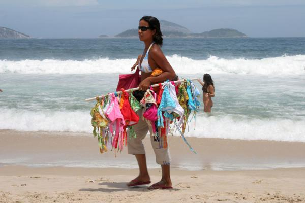 Foto van Girl selling swimwear on Ipanema beachRio de Janeiro - Brazilië