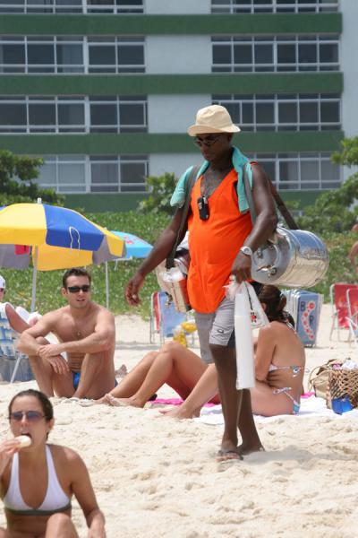 Picture of Ipanema beach: vendor