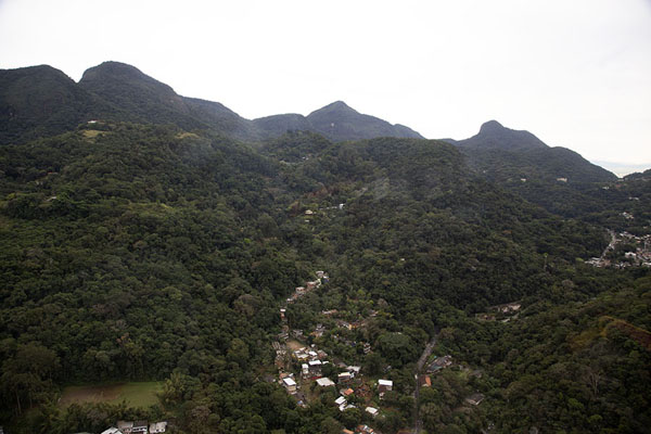 Foto van The landscape of Tijuca National Park from the skyRio de Janeiro - Brazilië