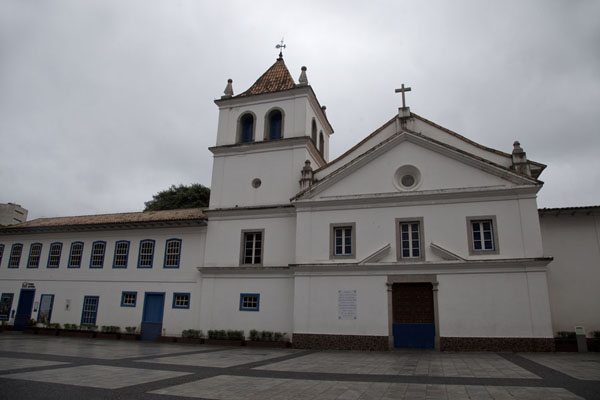 Patio do Colégio, the Jesuit church and school marking the site where the city of São Paulo was founded in 1554 | Centro storico di San Paolo | Brasile