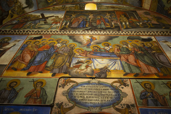 Foto de Fresco depicting the death of the Holy Virgin in the Sveta Bogoroditsa churchBachkovo - Bulgaria
