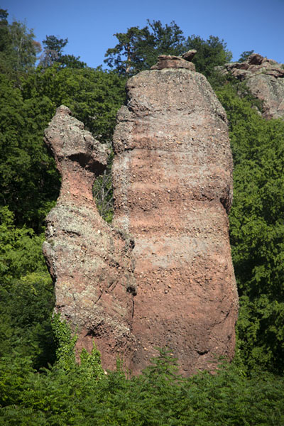 Foto di Adam and Eve rock formation near BelogradchikBelogradcik - Bulgaria