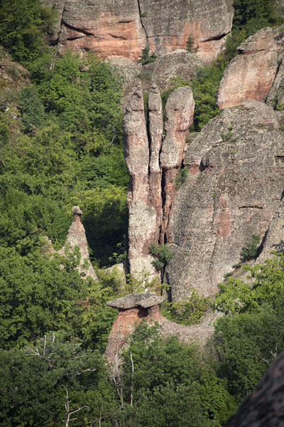 Foto van Looking down on rock formations in the early morningBelogradchik - Bulgarije