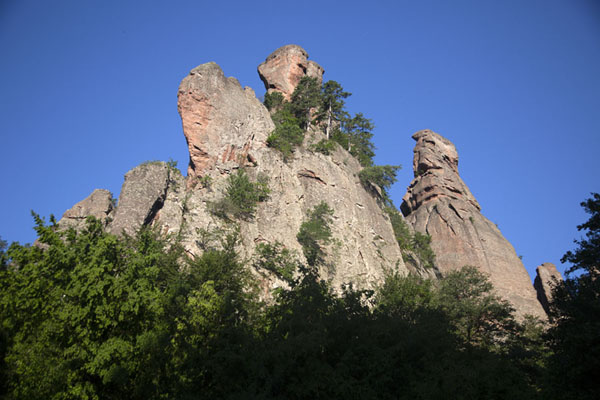 Photo de One of the groups of rock formations near BelogradchikBélogradtchik - Bulgarie