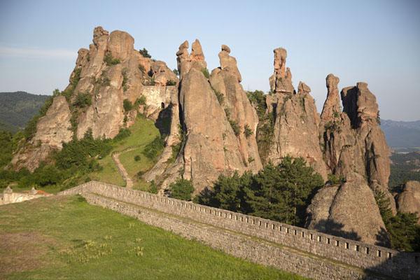 Foto van View over the fortress grounds and rock formationsBelogradchik - Bulgarije