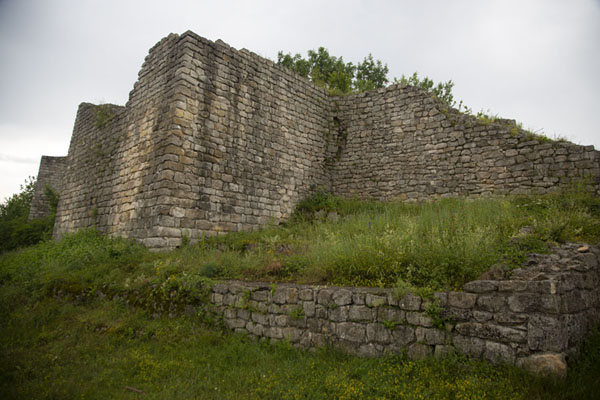 The eastern wall of Cherven fortress; the inner wall dates back do the 6th century | Fortezza di Cierven | Bulgaria