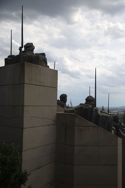 View towards the city of Stara Zagora with the bayonets of the soldiers pointing to the sky | Monumento para los defensores de Stara Zagora | Bulgaria
