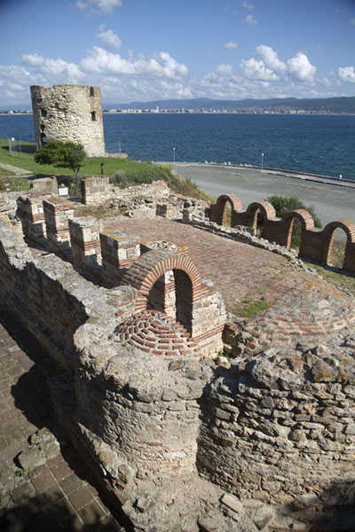 Foto di The ruins of the basilica of the Holy Mother of God Eleusa is located at the waterfront - Bulgaria - Europa