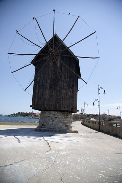 Photo de Windmill halfway the causway linking old Nesebar to the mainlandNesebar - Bulgarie