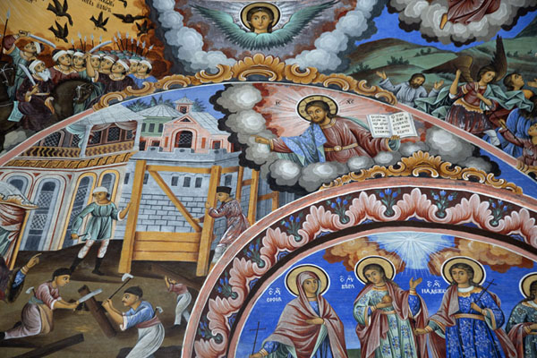 Foto di Close-up of the brightly painted frescoes in the portico of the main churchRila - Bulgaria