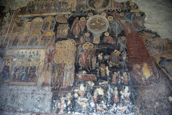 Foto van Fresco depicting the Last Judgment and other biblical scenes on the wall of the church of Rozhen MonasteryRozhen - Bulgarije