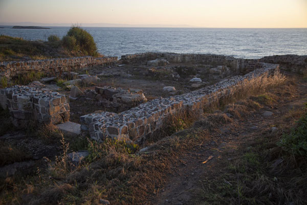 Foto van Sunrise over the ruins of the monastery of the Saint Apostles at the northeast side of SozopolSozopol - Bulgarije